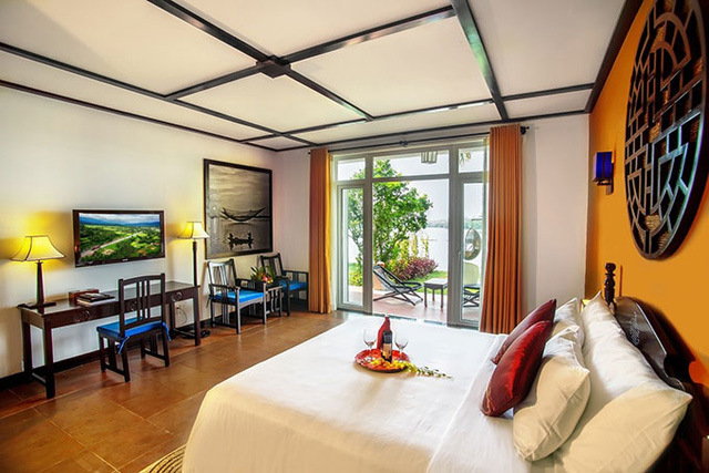 Offering 121 luxury, cozy rooms and suites