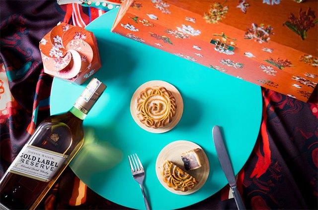 Hilton Hanoi Opera Hotel offers characterized mooncake