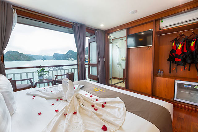 Sweet honeymoon on Calypso Cruises