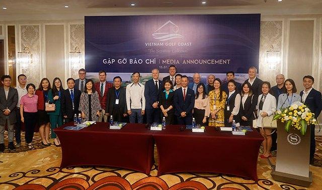Participants at the media annoucement of Vietnam Golf Coast