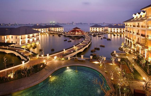 InterContinental Hanoi Westlake has win the '2017 Luxury Lakeside Hotel' at World Luxury Hotel Award